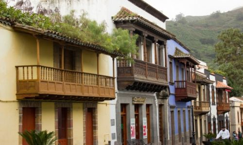 HISZPANIA / Gran Canaria / Teror / Drewniane balkony w Terorze