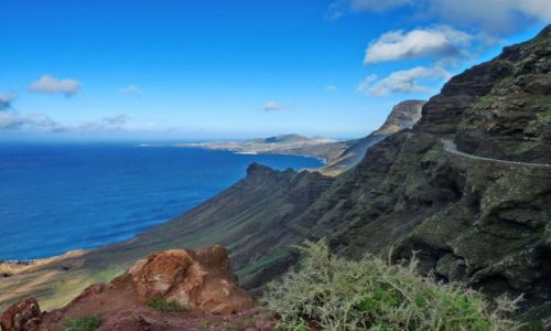 Zdjecie HISZPANIA / Gran Canaria / Gran Canaria / Droga nad urwis