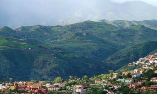 Zdjęcie HISZPANIA / Gran Canaria / Gran Canaria / Wioska na zboczu