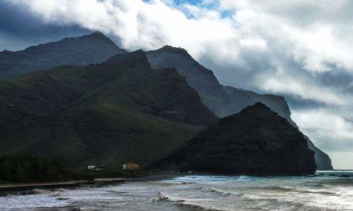 Zdjęcie HISZPANIA / Gran Canaria / Gran Canaria / Niespokojny brzeg