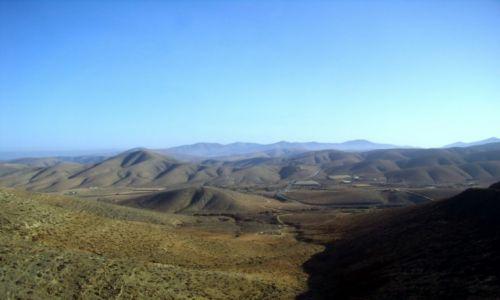 Zdjęcie HISZPANIA / Wyspy Kanaryjskie / Fuerteventura, góry wulkaniczne / horyzont