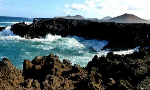 Zdjecie HISZPANIA / Wyspy Kanaryjskie  / Lanzarote / Los Hervideros -Wrzące wybrzeże