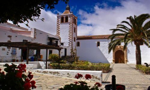 Zdjęcie HISZPANIA / Hiszpania. Wyspy Kanaryjskie / Betancuria / Fuerteventura. Betancuria pierwsza stolica wyspy.  Iglesia de Santa Maria.