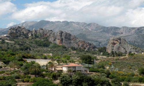 Zdjęcie HISZPANIA / Walencja / El Castell de Guadalest / W górach