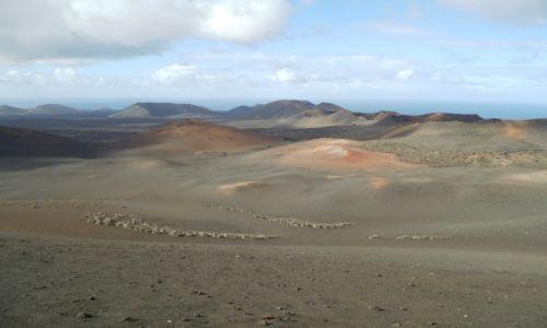 HISZPANIA /  Lanzarote /  w Parku Narodowym Timanfaya / Dolina Spokoju i niesamowity księżycowy krajobraz