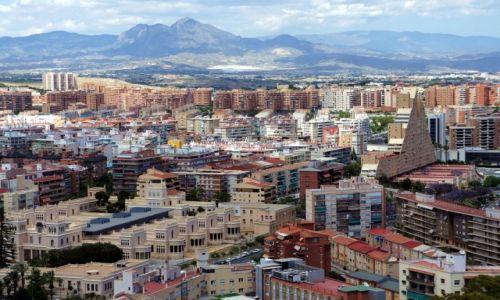 Zdjęcie HISZPANIA / Alicante / Zamek św. Barbary, widok na nową dzielnicę miasta / Paleta stylów i barw