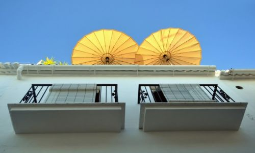 Zdjęcie HISZPANIA / Andalusia / Frigiliana / parasole