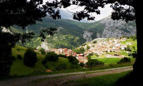 Zdjęcie HISZPANIA / Picos de Europa / Sotres / zejście z gór