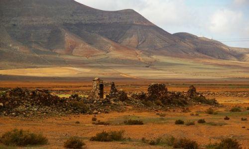 Zdjęcie HISZPANIA / Wyspy Kanaryjskie / Fuerteventura / Ślady minionej epoki...