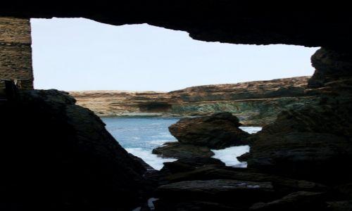 Zdjecie HISZPANIA / Fuerteventura/Wyspy Kanaryjskie / Ajuy / Widok z jaskini Caleta Negra