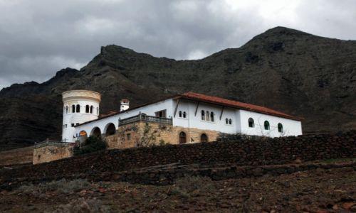 HISZPANIA / Fuerteventura/Wyspy Kanaryjskie / Półwysep Jandia / Tajemnicza willa na pustkowiu