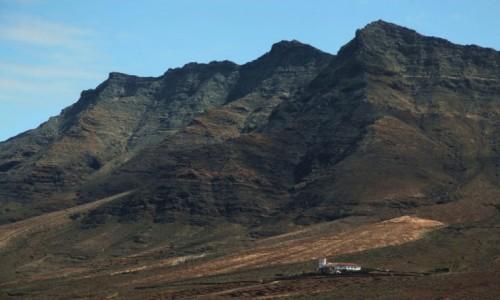 HISZPANIA / Fuerteventura/Wyspy Kanaryjskie / Półwysep Jandia/Cofete / Tajemnicza willa w cieniu gór