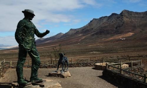Zdjecie HISZPANIA / Fuerteventura/Wyspy Kanaryjskie / Półwysep Jandia/Cofete / Tajemniczy pomnik
