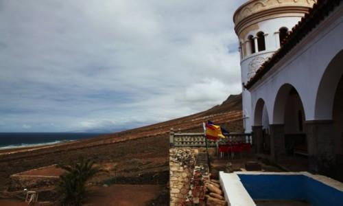 Zdjecie HISZPANIA / Fuerteventura/Wyspy Kanaryjskie / Półwysep Jandia/Cofete / Lądowisko dla helikopterów, obok willi