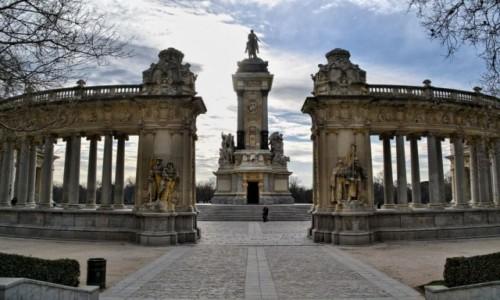 HISZPANIA / Madryt / El Retiro Park / Monumento Alfonso XII