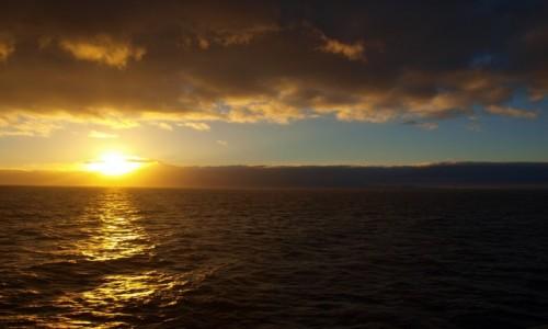 Zdjęcie HISZPANIA / Wyspy Kanaryjskie / La Gomera / wschód słońca na La Gomerze
