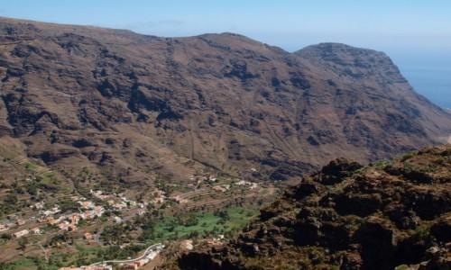 Zdjęcie HISZPANIA / Wyspy Kanaryjskie / La Gomera / widok na dolinę