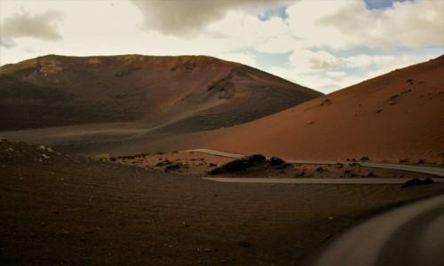 HISZPANIA / Wyspy Kanaryjskie / Lanzarote / Droga wulkaniczna