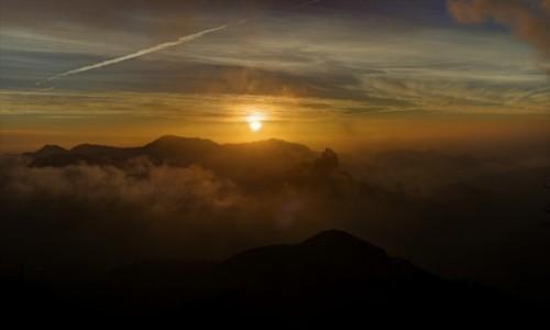 HISZPANIA / Gran Canaria / Cruz de Tejeda / zachód słońca nad Roque Nublo