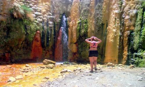 Zdjęcie HISZPANIA / Wyspy Kanaryjskie / La Palma / Cascada de los Colores, Barranco de las Angustias