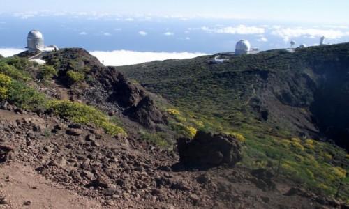 HISZPANIA / Wyspy Kanaryjskie / La Palma, Park Narodowy Caldera de Taburiente / teleskopy Obserwatorium Astronomicznego na dachu La Palmy