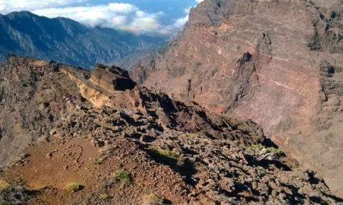Zdjęcie HISZPANIA / Wyspy Kanaryjskie / La Palma, Park Narodowy Caldera de Taburiente / Widok ze szczytu Roque de los Muchachos