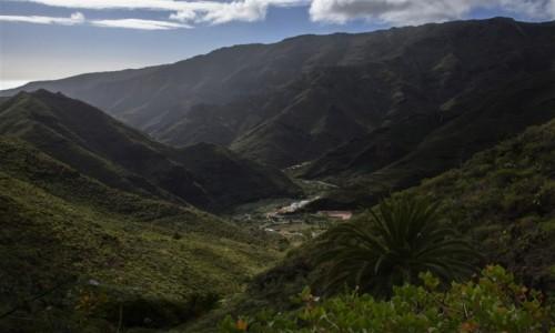 HISZPANIA / LA GOMERA / okolice Parku Narodowego Garajonay / otulone górami