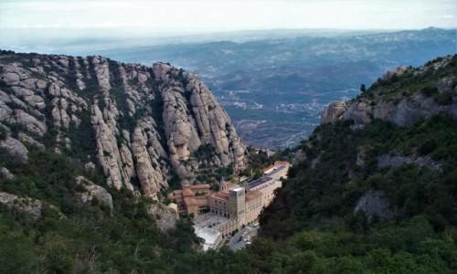 Zdjęcie HISZPANIA / Barcelona / Montserrat / Benedyktyński klasztor w skałach