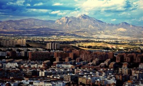 HISZPANIA / Costa Blanca / Alicante / Bloki, górki i chmurki