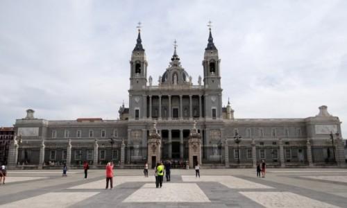 Zdjecie HISZPANIA / Madryt / Madryt / Katedra Almudena