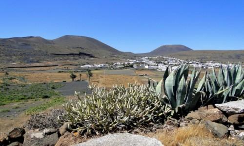 HISZPANIA / Wyspy Kanaryjskie / Lanzarote / Z serii: lanzaroteńskie krajobrazy (1)