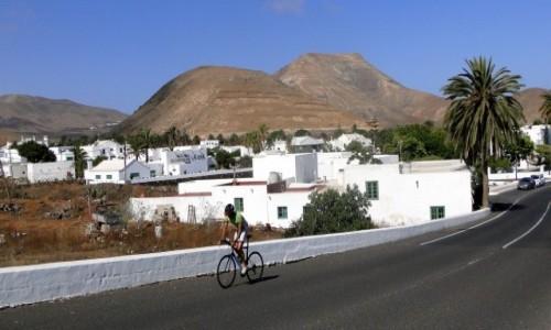 HISZPANIA / Wyspy Kanaryjskie / Lanzarote / Rowerem przez Lanzarote.
