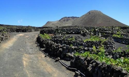 HISZPANIA / Wyspy Kanaryjskie / Lanzarote / Droga do La Corona.