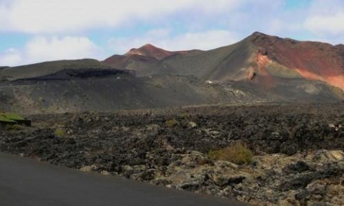 Zdjęcie HISZPANIA / Wyspy Kanaryjskie / Lanzarote / Wulkaniczne krajobrazy Timanfaya.