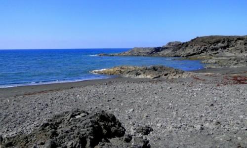 HISZPANIA / Wyspy Kanaryjskie / Lanzarote / Wspomnienie z Lanzarote - dzika plaża