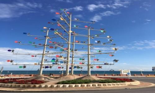 Zdjęcie HISZPANIA / Costa Del Sol / Benalmadena  / Wiatraczki na rondzie