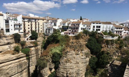 HISZPANIA / Andaluzja / Ronda / Białe domy na skale