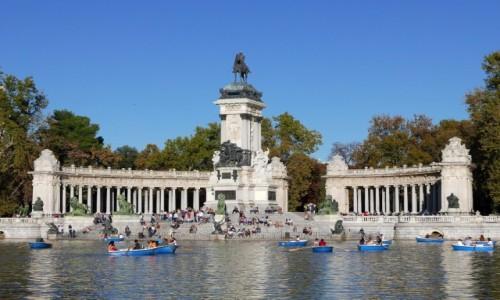 Zdjecie HISZPANIA / Comunidad de Madrid  / Madryt / Park Retiro-pomnik Alfonsa XII