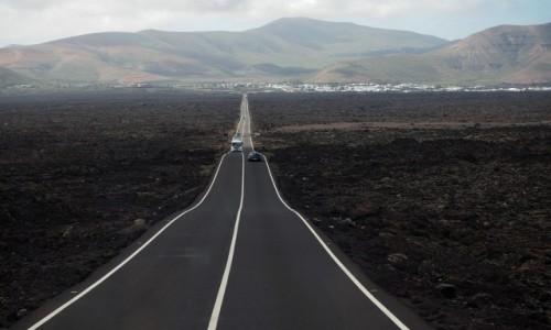 Zdjęcie HISZPANIA / Wyspy Kanaryjskie / Lanzarote / Droga do Yaiza