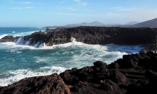 HISZPANIA / Wyspy Kanaryjskie / Lanzarote / Wulkaniczne wybrzeże