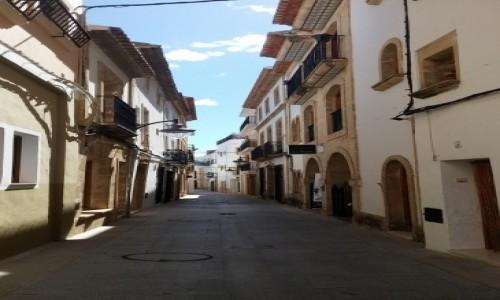 HISZPANIA / prowincja Alicante / Xabia / Uliczka w Xabia