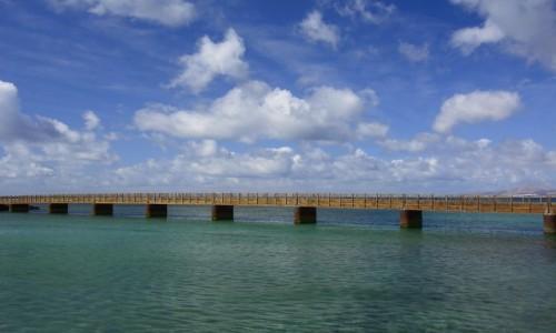Zdjecie HISZPANIA / Wyspy Kanaryjskie / Arrecife (Lanzarote) / pomiędzy niebem i wodą