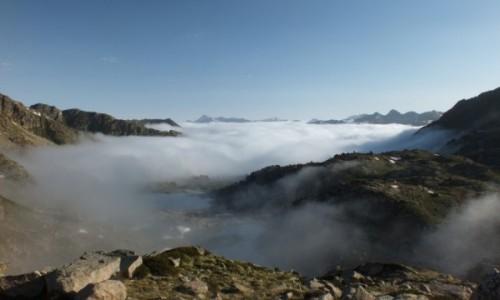 Zdjęcie HISZPANIA / Aigüestortes i Estany of Saint Maurici National Park / Aigüestortes / Ponad chmurami