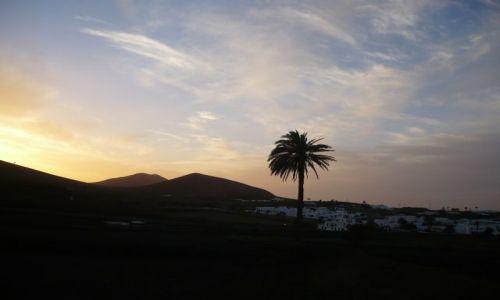 Zdjecie HISZPANIA / Lanzarote / Lanzarote / sama jak palec