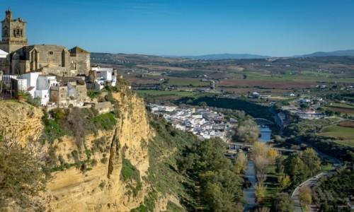 Zdjęcie HISZPANIA / Andaluzja / Arcos de la Frontera / na klifie...