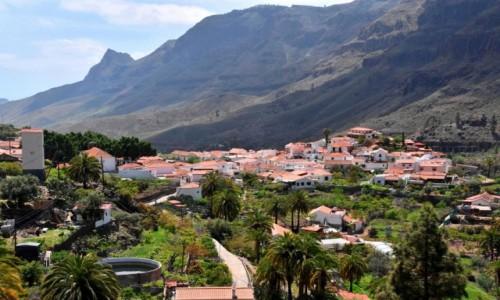 Zdjęcie HISZPANIA / Gran Canaria / Wąwóz (Barranco de Fataga) / Miasteczko w dolinie