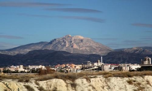 Zdjęcie HISZPANIA / Hiszpania / gdzieś po drodze / ...a do pustyni daleko