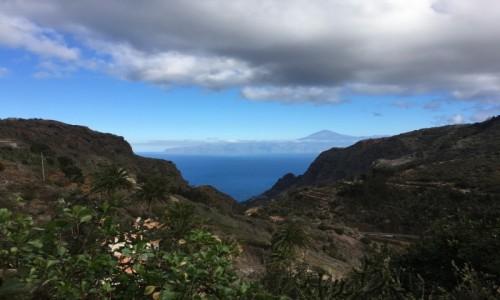 Zdjecie HISZPANIA / La Gomera  / La Gomera  / Widok na wulkan Teide z La Gomery