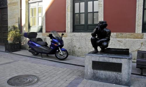 Zdjecie HISZPANIA / Asturia / Oviedo / na uliczkach Oviedo