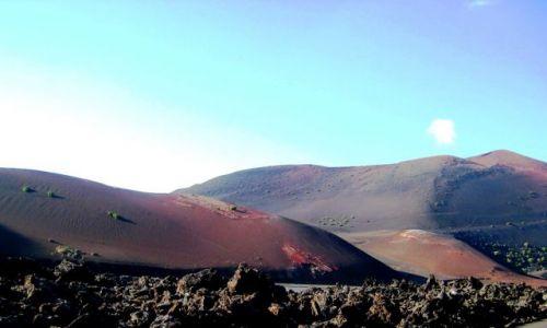 Zdjecie HISZPANIA / Lanzarote / Lanzarote / barwy ziemi